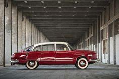 Tatra 603 Vintage Cars, Antique Cars, Mini Trucks, Car Makes, Car Humor, Car Brands, Old Cars, Motor Car, Cars And Motorcycles