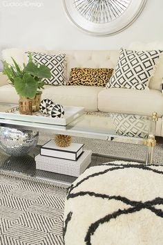 summer living room with neutral layers - Cuckoo4Design