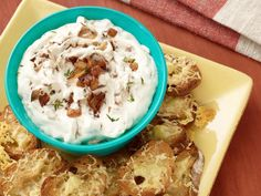 French Onion Dip with Gruyere Toasts #BigGame