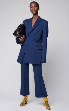 Glam Slam Patent Leather Bag by Maison Margiela Suit Fashion, Fashion 2020, Daily Fashion, Fashion Outfits, Womens Fashion, Blazer Dress, Jacket Dress, Glam Slam, Business Chic