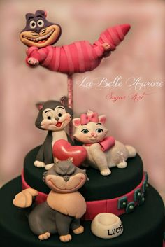The Cats - by LaBelleAurore @ CakesDecor.com - cake decorating website