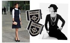 Foi Chanel a primeira pessoa a usar dois braceletes iguais ao mesmo tempo, um em cada braço. Na foto, a estilista posa com modelos criados pela joalheira italiana Verdura, em 1930, que foram relançados este ano em uma edição comemorativa. A foto é uma das mais famosas dela, e o truque de estilo permanece até hoje. Na foto à esquerda, a atriz Alma Jodorowsky usa seus modelos Chanel da pré-coleção de outono/inverno 2015/2016 da marca