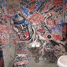 """Asiste esta semana del 11 al 15 de noviembre al evento """"Grafitti Sonoro"""" en dónde se hará un mural conmemorativo del evento de hip hop, con micrófono abierto para los asistentes.  Costo de $20 por día o $70 toda la semana Programa de toda la semana del 11 al 15 de noviembre en: http://www.tlatelolco.unam.mx/actividad2.html Inscripciones: uva.informacion@gmail.com"""