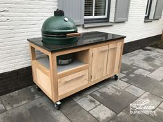 Big Green Egg Table, Green Eggs, Kamado Joe, Casa Patio, Weber Bbq, Diy Outdoor Kitchen, Bbq Ideas, Table Plans, Camper