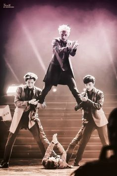 EXO OVERDOSE opening stance. I love this opening