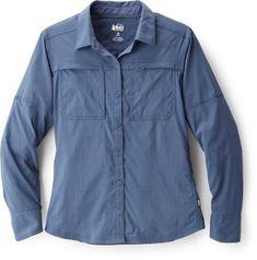 thunder blue Hiking Shirts, Travel Shirts, Denim Button Up, Button Up Shirts, Bermuda Shorts Women, Hiking Fashion, Travel Fashion, Travel Clothes Women, Fit Women
