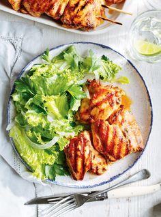 Quick and Easy Portuguese-Style Chicken Recipe Barbacoa, Turkey Recipes, Chicken Recipes, Baguette, Ricardo Recipe, Confort Food, One Pot Pasta, Tandoori Chicken, Main Dishes