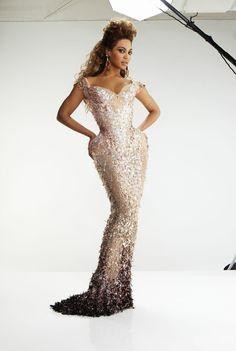 Gorgeous Figure Mrs Carter