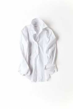classic white shirt for your capsule wardrobe — minimalism.co