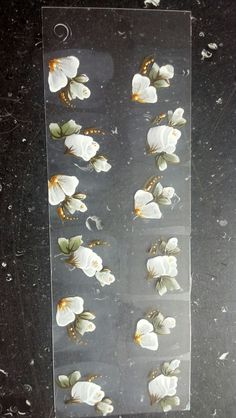 Rosas brancas cod: 009-B  Consiga meus adesivos chamando no wathssap 11 94205-2888 Pricila Costa