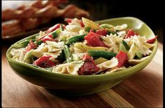 Tired of the same old, same old? Try a smoked salmon and pasta salad using our Wild Alaskan smoked salmon. 22 oz of Alaska's finest smoked salmon sampler. Includes sockeye, peppered sockeye and pink. Best Smoked Salmon, Smoked Salmon Pasta, Smoked Salmon Recipes, Salad Recipes, Healthy Recipes, Healthy Food, Summer Pasta Salad, Whole Wheat Pasta, Quick Easy Meals
