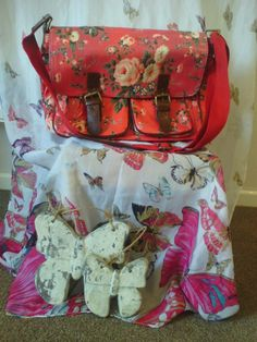 Red Floral Oil Cloth Bag - The Supermums Craft Fair