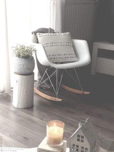 Eames rocking chair! Van teleukhout.nl