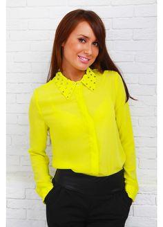 Повседневный образ с желтой блузкой