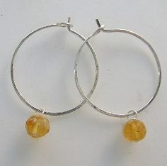 How To Make Hoop Earrings - This #tutorial shows you how to create an awesome Christmas gift. You can also save these hoop earring for yourself and wearing them to a Christmas party!