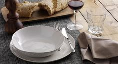 Be prepared with classy, chic and classic glasses for wine, burgundy, champagne or water to suit any dining occasion.