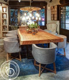 Comedor Atelier Central. Mesa de Parota. Lampara Macarena Silla Olympia #comedor #decoracion #interiorismo