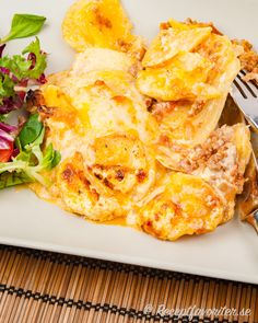 Great Recipes, Snack Recipes, Snacks, Quorn, Potato Dishes, Cauliflower, Good Food, Chips, Food And Drink