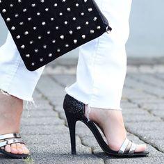 STILL IN LOVE WITH THESE SHOES   Ich liebe diese Schuhe von @zara immer noch wie am ersten Tag. Wenn sie nur nicht so mords-unbequem wären... Habt einen schönen Mittwochh ihr Lieben   #alittlefashion #shoeaddict