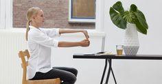 C&A vous montre des étirements inspirés du yoga, si simples que vous pourrez les faire au bureau !