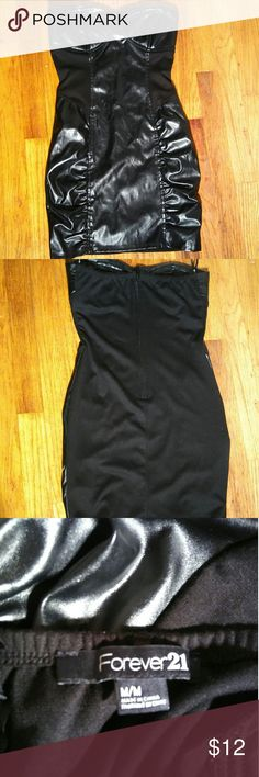 Faux leather Forever 21 Dress🍸💄 Black faux leather Forever 21 dress. This dress is a size medium in his only been worn once. Perfect for a night out. Forever 21 Dresses Mini