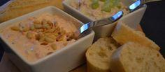 Borrelsalades; wasabi tonijn en peppadew roomkaas