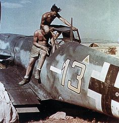 Luftwaffe Bf 109 camouflage markings and paint schemes Ww2 Aircraft, Fighter Aircraft, Military Aircraft, Fighter Jets, Airplane Fighter, Luftwaffe, Me 109, Afrika Corps, Ww2 Pictures