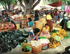 Mercado de Tlacolula, Ciudad de Oxaca, Oxaca. Robert Frerck.