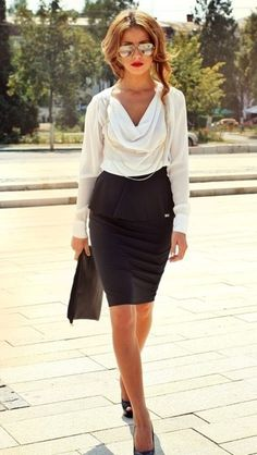 Unique Summer work outfit ideas for women. Stylish but modest pencil skirt outfits suitable for wearing to work. Work attire for businesswomen, teachers, and . Office Fashion, Business Fashion, Work Fashion, Fashion Outfits, Gq Fashion, Petite Fashion, Daily Fashion, Business Casual Outfits, Office Outfits