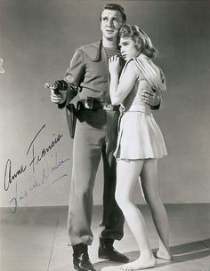 Leslie Nielsen - Anne Francis - Autographed photo of FORBIDDEN PLANET The main attractions on the planet were Anne Francis and Robby the Robot. Keanu Reeves, Sf Movies, Fiction Movies, Planet Movie, Classic Sci Fi Movies, Robby The Robot, Leslie Nielsen, Anne Francis, Pose Reference Photo