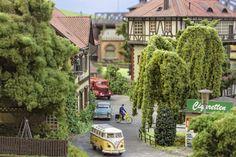 Bild Christmas Train Set, Escala Ho, Hobby Trains, Model Train Layouts, Model Trains, Scale Models, Scenery, Locs, Buildings