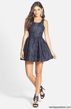 Vestidos de fiesta cortos con relieve - https://vestidoparafiesta.com/vestidos-de-fiesta-cortos-con-relieve/