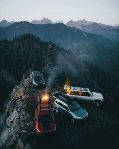 Camping on a cliff. This was definitely one of the better forestry road camping spots I've been to, thanks for showing us up here Camping Places, Camping Spots, Camping Life, Camping Ideas, Outdoor Camping, Land Rover Defender, Adventure Awaits, Adventure Travel, Offroad
