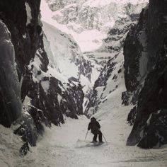 Arc'teryx Athlete Forrest Coots skiing some steep, narrow chutes in La Grave a few days ago. Ski Bunnies, Snow Holidays, Big Mountain, Deep Winter, Snow Skiing, Winter Activities, Extreme Sports, Winter Sports, Adventure Awaits