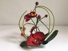 Pierre décorative avec orchidée pour columbarium