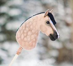 Horse Stables, Horse Tack, Soft Sculpture, Sculptures, Stick Horses, Star Stable, Horse Crafts, Hobby Horse, Breyer Horses
