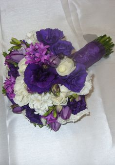 Purple Wedding Bouquet created by The Wild Orchid Florist, Echuca Victoria. 0354806777 #purple #weddings #lissianthus #weddingbouquets #thewildorchid #flowers