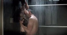 Sexo no banheiro: veja posições para ousar neste cômodo da casa