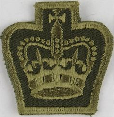 Warrant Officer (Crown Only) - Canadian Army Green On Olive Warrant Officer rank badge for sale Queen Elizabeth Crown, Queen Crown, Warrant Officer, Canadian Army, Royal Marines, Royal Air Force, Armed Forces, Army Green, Badges