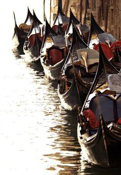 "I've just read ""Dolcezza"" from ""Sillabari"" di Goffredo Parise. He describes his beloved Venice in a manned and fine way"