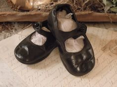 Vintage Black Leather Baby Shoe / Supplies / Up Cycle / Edwardian Black Leather Glass Black Button Shoes