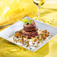 Bild: GUSTO/ Stefan Liewehr Steaks, Rinder Steak, Meal Ideas, Beef, Camping, Food, Meat, Food Food, Bakken
