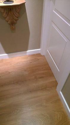 detalle suelo y rodapi lacado