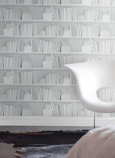Papier peint trompe l'oeil bibliothèque blanche par Studio Mold