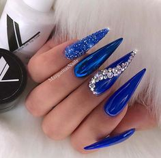 23 Chic Blue Nail Designs You Will Want to Try… 30 Great Stiletto Nail Art Design Ideas 1 Chic Nails, Glam Nails, Stylish Nails, Bling Nails, Beauty Nails, Fun Nails, Gems On Nails, Matte Nails, Glitter Nails