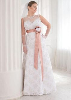 Huge part of wedding dresses for bride are designed for thin women. Plus size women spent on wedding dress searches twice the time. Trends 2018, 2016 Wedding Dresses, Bridal Dresses, Selfies, Greek Dress, Bridesmaid Dresses Plus Size, Bridal Dress Design, Glamour, Plus Size Girls
