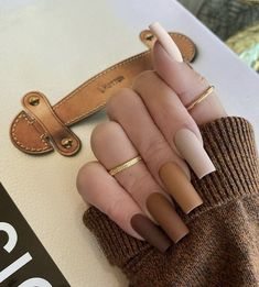 Brown Acrylic Nails, Halloween Acrylic Nails, Simple Acrylic Nails, Brown Nails, Best Acrylic Nails, Acrylic Nail Designs, Brown Nail Designs, Brown Nail Art, Acrylic Nails Autumn