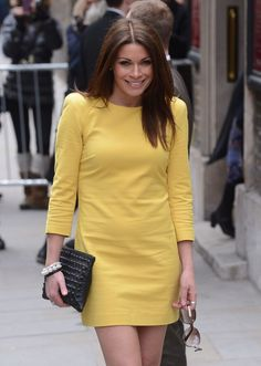 alison king - ooh you would wouldn't you? Yes I would everyday Sexy Older Women, Classy Women, Beautiful Legs, Beautiful People, Beautiful Women, Coronation Street Cast, Alison King, British Actresses, Yellow Dress