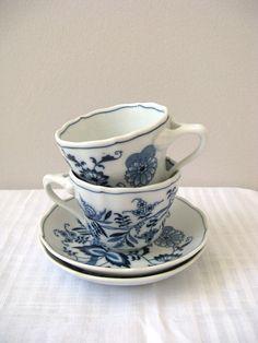 4 Vintage Tea Cups Luncheon Plate Sets Blue Danube Excellent Condition Onion