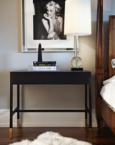 Black bedside table and glass lamp Home Bedroom, Bedroom Decor, Art Deco Interior Bedroom, Bedrooms, Bedroom Sets, Bedside Table Decor, Bedside Tables, My New Room, Home Decor Inspiration